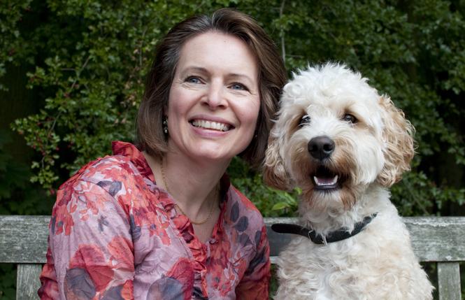Irma Röder met therapiehond Charlie